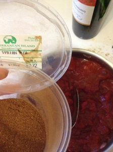 "diced tomatoes, tomato paste, red wine, ""syrian mix"" spice"